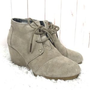 Toms Desert Wedge Suede Ankle Boots Size 5.5